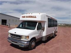 2001 Ford E450 Super Duty Bus