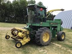 John Deere 5830 Self-Propelled Forage Harvester