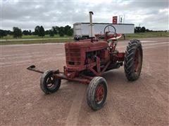 1948 International Farmall H 2WD Tractor