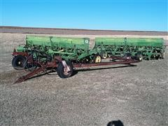 John Deere LZ812 Double Hitch Hoe Drills