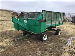 John Deere 122 Feed Wagon