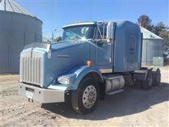 2000 Kenworth T800 T/A Truck Tractor