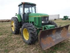 John Deere 7800 MFWD Tractor W/Blade