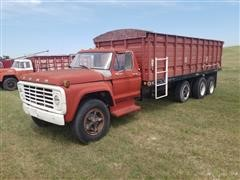 1975 Ford F750 Tri/A Grain Truck