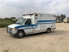 2000 Ford E-Super Duty 2WD Ambulance