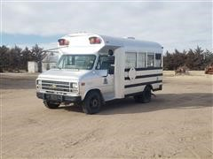 1995 Chevrolet 30 S/A Dually Tailgate Bus