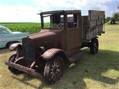 1929 International Harvester 6-Speed Spec. 1-Ton Straight Truck