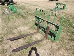 MDS Pallet Forks For John Deere Loader