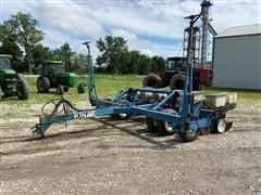 Kinze DF 6R30 Planter