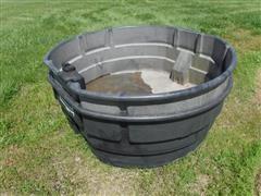 Rubbermaid 300 Gallon Water Tanks
