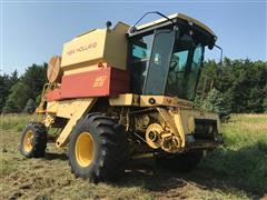 New Holland TR86 Combine