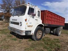 1971 International C01710A Tilt Cab Grain Truck