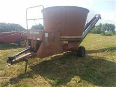 FarmHand 900B Tub Grinder