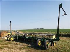 John Deere 7100 16R Bean Planter
