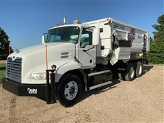 2006 Mack CXN613 T/A Feed Truck W/Roto-Mix 720-16