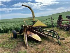 John Deere 3800 Pull-Type Forage Harvester