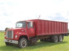 1982 Ford 8000 T/A Grain Truck