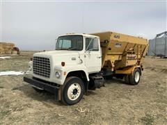 1981 Ford 8000 Feed Truck W/Mohrlang MB420 Mixer Feed Box
