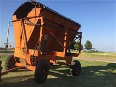 Richardton Hydraulic Dump Wagon