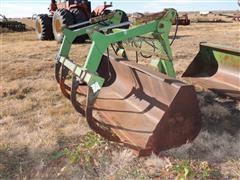 John Deere 265 8' Bucket With Grapple