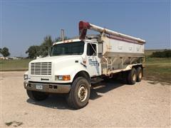2000 International 4900 T/A Bulk Feed Truck