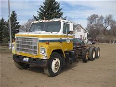1985 International F2275 IH Truck