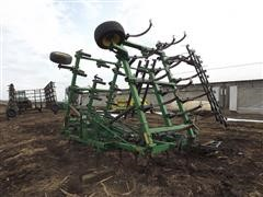 John Deere 960 3-Point Field Cultivator
