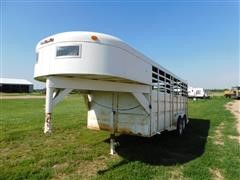 1987 Travalong T/A Gooseneck Livestock Trailer