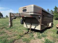 1995 Travalong 20' Gooseneck T/A Livestock Trailer