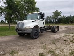 2003 International 4300 Cab & Chassis