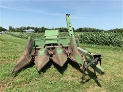 John Deere 300 Corn Picker W/3R30 Head