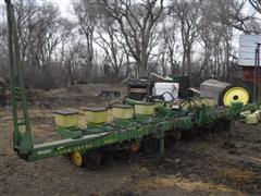 "John Deere 7100 8R30"" Corn Planter"