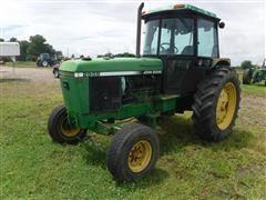 1989 John Deere 2955 2WD Tractor