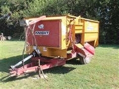 Knight 3300 Pull Type Feed Wagon W/Scale