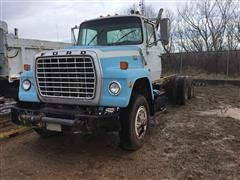 1986 Ford 8000 Cab & Chassis