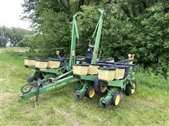 John Deere 7200 MaxEmerge 2 8R36 Planter