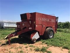 JA Freeman & Son Inc 1592 Self Contained 3x4x8 Square Baler