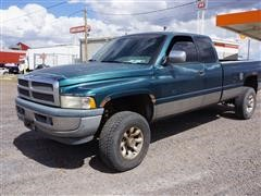 1997 Dodge Ram 2500 4x4 Extended Cab Pickup