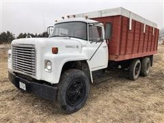 1976 International 1700 Straight Truck