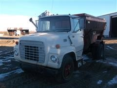 1975 Ford LN750 Feed Truck