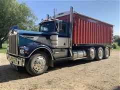 1980 Kenworth W900A Tri/A Grain Truck
