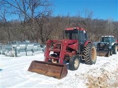 1988 Case IH 885 2WD Tractor W/Loader
