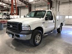 2005 Ford F350 XL Super Duty 4x4 Service Pickup