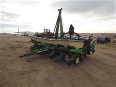 John Deere 7200 MaxEmerge 2 12R30 Planter