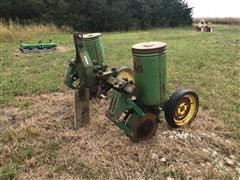 John Deere 71 2R40 Plot Planter