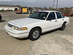 1996 Ford Crown Victoria 4-Door Sedan