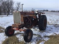 1964 International 806 2WD Tractor