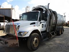 2007 International 7400 DT570 T/A Garbage Truck