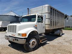 1991 International 4700 Livestock Truck