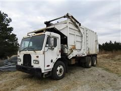 2001 Peterbilt 320 T/A Front Load Garbage Truck